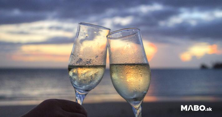 Doprajte si osviežujúci letný zážitok so šampanským