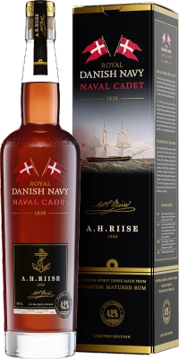 A.H. Riise Royal Danish Navy Naval Cadet 42% 0,70 L